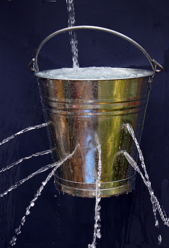 water-filling-bucket-with-holes